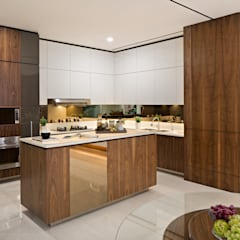 Kitchen:  Dapur built in by INERRE Interior