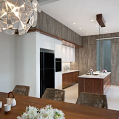 :  Dapur built in by INERRE Interior