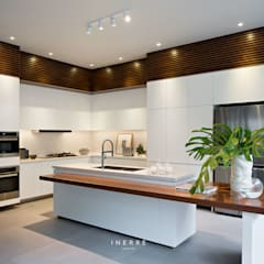 : Dapur built in oleh INERRE Interior, Modern