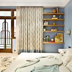 Residence at Colaba - 02:  Bedroom by Dhruva Samal & Associates