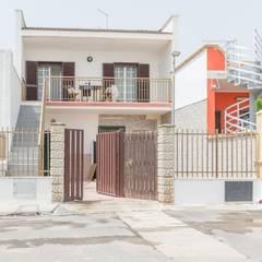 Casa Lya Home Staging per la Microricettività: Terrazza in stile  di Anna Leone Architetto Home Stager