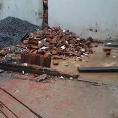 Gerenciamento de Obras para uma Choperia, em Santos. Arquiteta e Urbanista Iara Migotto: Bares e clubes  por Anna Giovanni- Disegno