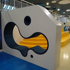 Projekty,  Szkoły zaprojektowane przez Мебельная компания FunEra. Изготовление мебели из фанеры на заказ. http://www.fun-era.ru