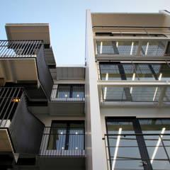 吉祥寺プロジェクト 外観: TAPO 富岡建築計画事務所が手掛けたオフィスビルです。