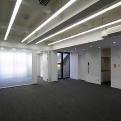 吉祥寺プロジェクト 4Fオフィス: TAPO 富岡建築計画事務所が手掛けたオフィスビルです。
