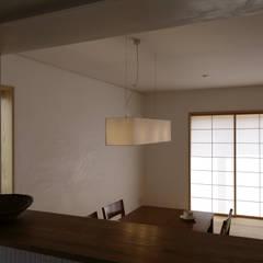 斑鳩の家: 中山建築設計事務所が手掛けたダイニングです。