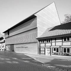 Museos de estilo  por FISCHER & PARTNER lichtdesign. planung. realisierung