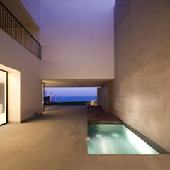 Garden Pool by AGi architects
