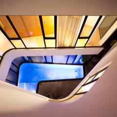 Mop House: Proyecto arquitectónico de una casa unifamiliar en Kuwait por AGI: Casas unifamilares de estilo  de AGi architects