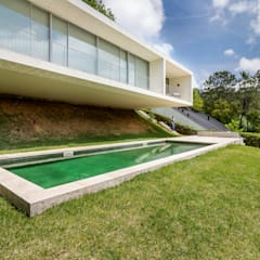 Country house by João Boullosa
