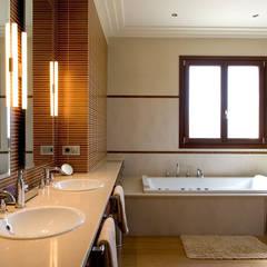 Baños de estilo colonial por Idearte Marta Montoya