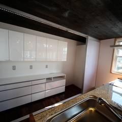 Кухонные блоки в . Автор – 株式会社高野設計工房