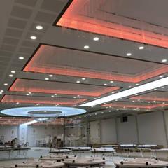 Salas de eventos de estilo  por Altuncu İç Mimari Dekorasyon
