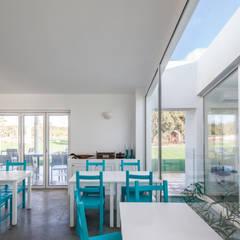 Pé no Monte Salas de jantar mediterrânicas por [i]da arquitectos Mediterrânico