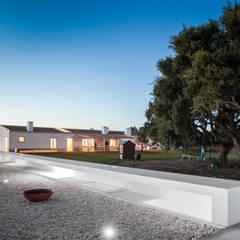 Pé no Monte: Casas  por [i]da arquitectos