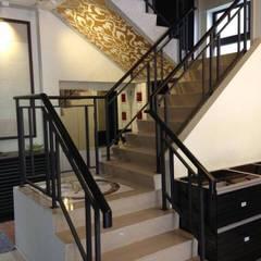 Stairs by 茂林樓梯扶手地板工程團隊