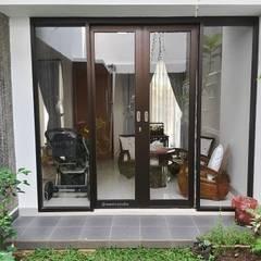 Bodegas de jardín de estilo  por Vaastu Arsitektur Studio