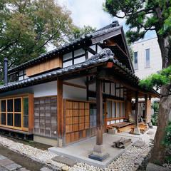 Casas de madera de estilo  por 西本建築事務所 一級建築士事務所