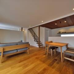 karasaki house ラスティックデザインの ダイニング の ALTS DESIGN OFFICE ラスティック