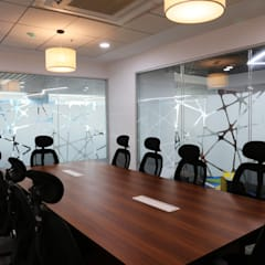 Meeting room:  Commercial Spaces by Apex Project Solutions Pvt. Ltd.