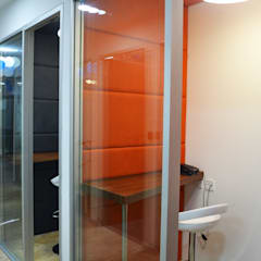 Telephone booth:  Commercial Spaces by Apex Project Solutions Pvt. Ltd.