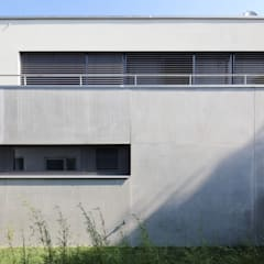 منزل عائلي كبير تنفيذ Architekturbüro zwo P