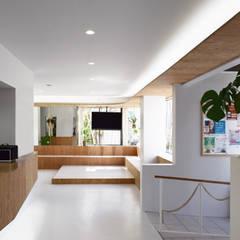 福井のクリニックリノベーション: CIRCLEが手掛けた医療機関です。,モダン コンクリート