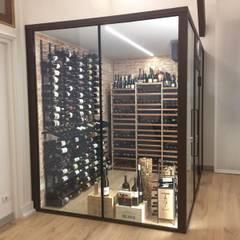 Bodegas de vino de estilo  por ShoWine