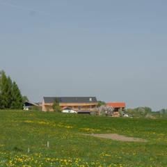 """Bauernhofumbau """"Loft am Land"""" in Flachgau, Salzburg:  Holzhaus von lobmaier architekten zt gmbh"""