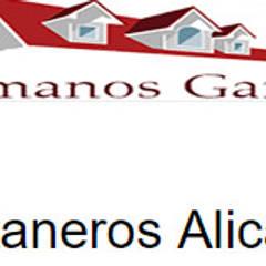 Fontaneros Alicante: Edificios de oficinas de estilo  de Hermanos Garcia