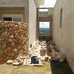 Walls by Bizzarri Pedras