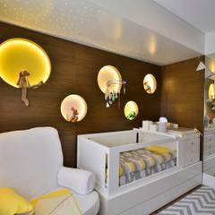 Dormitório de Bebê Lindo: Quartos de bebê  por BG arquitetura