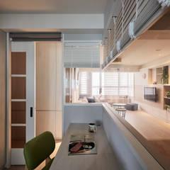 Phòng học/Văn phòng theo 耀昀創意設計有限公司/Alfonso Ideas,
