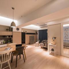 留學終點:  客廳 by 耀昀創意設計有限公司/Alfonso Ideas