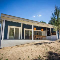 Casa 390 Deportivo por JOM HOUSES: Casas unifamiliares de estilo  por JOM HOUSES