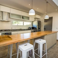 Built-in kitchens by JOM HOUSES