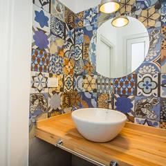 Casa 390 Deportivo por JOM HOUSES Baños modernos de JOM HOUSES Moderno