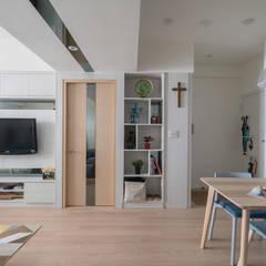 觀渡:  地板 by 耀昀創意設計有限公司/Alfonso Ideas