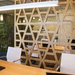Kantor & toko by SENZA ESPACIOS