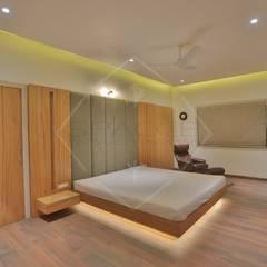 Projekty,  Sypialnia zaprojektowane przez SPACCE INTERIORS