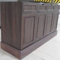 fabrication comptoirs: Espaces commerciaux de style  par DECO MEUBLE SARL