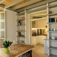 Dapur built in by HIGUERA ARQUITECTOS