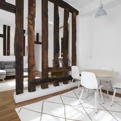 Salle à Manger - Entrée: Salon de style de style Minimaliste par ATELIER FLORENT - Architectes d'Intérieur Paris