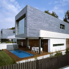 :  Detached home by Haritsah Tutuko - homify