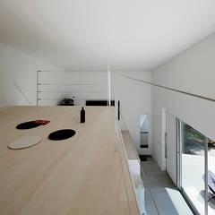 八ヶ岳の離れ: 稲山貴則 建築設計事務所が手掛けた寝室です。