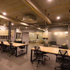 Customised workstations:  Office buildings by Studio Gritt