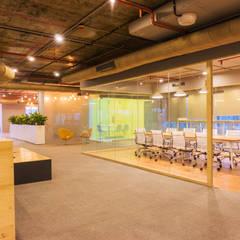 Meeting Room:  Office buildings by Studio Gritt