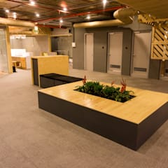 Media IQ , Lavelle Road:  Office buildings by Studio Gritt