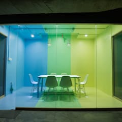 Team meeting room:  Office buildings by Studio Gritt