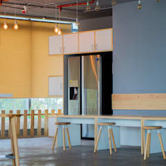 Cafeteria customized furniture:  Office buildings by Studio Gritt